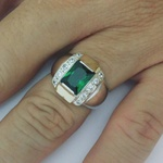 Anel Em Prata Masculino Com Pedra Zircônia Verde Esmeralda