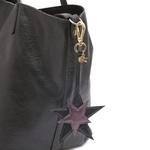 Chaveiro Estrelas Couro Preto Com Metalizado Roxo