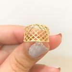 Anel de Ouro Amarelo 18K com Detalhe Vazado