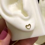 Brinco Infantil Coração Vazado em Ouro 18K