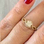 Anel de Ouro 18K com Diamantes Detalhe Trançado