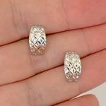 Brinco de Ouro Branco 18K Fosco com Diamantado