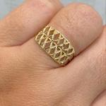 Anel de Ouro 18K Diamantado com Detalhes Vazados