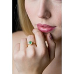 Anel de Esmeralda oval com Diamantes
