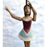Abajur com Escultura de Bailarina em Madeira e Papel Machê