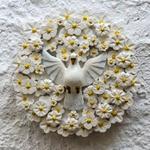 Divino Espírito Santo Mandala com Esculturas de Flores Brancas 0,45 M.