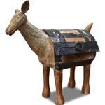 Escultura de Cabra de Tróia de Pé em Madeira P