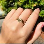 Anel Folhas em Ouro 18k com Pedras Verdes