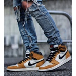 Tênis Nike Air Jordan 1 Retro High Rookie Of The Year