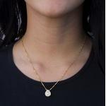 Pingente Gota Semijoia Banho de Ouro 18K Zircônia Incolor ao Centro e Cravação de 38 Zircônias Incolor Detalhe em Ródio