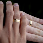 Alianças de Ouro 18K 6mm 8 gramas Modelo Jade