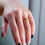 Alianças Ouro 18k 4mm 6 gramas facetas geométricas Modelo Prisma