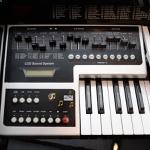 Órgão Eletrônico Harmonia HS-200 Super Marrom