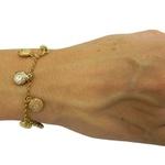 Bracelete feminino com pingentes