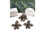 COD12479 BRINCO DE FLOR COM PEDRAS BLACK DIAMOND E HEMATITE