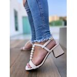 Sandália Branca com Bolas e Salto com Detalhes