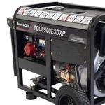 Gerador a Diesel TDG8500E3DXP Trifásico 220 Volts 498CC 7.5kVA com Partida Elétrica - TOYAMA