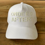 BONÉ ABA CURVA ONDE É O AFTER BRANCO - ESTILO TRUCKER