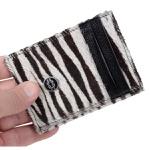 Portão-Cartão Feminino Animal Print Zebra em Couro
