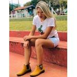 Botina Amarela em Couro Nobuck Bico Redondo