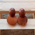 Brinco de Resina e Madeira Caramelo - Dueto Oval