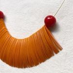 Colar Feminino de Resina Laranja e Vermelho - Pétalas