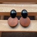 Brinco de Resina e Madeira Preto - Dueto Oval
