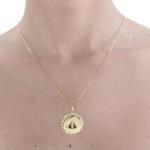 Pingente Mandala com Nossa Senhora Aparecida em ouro 18k amarelo com 6 Safira Azul Sintética