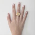 Anel trabalhado em ouro 18K amarelo