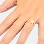 Anel em ouro 18k com pérola de 7,0mm natural e diamante sintético