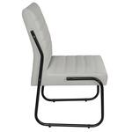 Cadeira Para Escritório ou Sala de Jantar em Couro Sintético Gelo Pés em Aço na Cor Preta