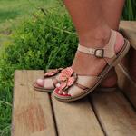Sandália Em Couro Rasteira Ariane Pele J.Gean BI0003/03