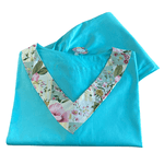 Pijama Cirúrgico Feminino - Peça única promocional - Azul claro com detalhes Flores 06