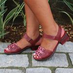 Sandália em Couro Emily Vermelha J.Gean BO0003-01