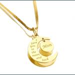 """Pingente Meia Lua """"Mom"""" Pendurado em Ouro 18k"""