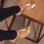 Sandália Salto Baixo Laser Ouro