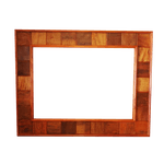 Moldura de espelho quadriculada