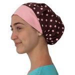 Touca de elástico - poá marrom com aba rosa