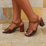 Sandália Em Couro Alta Laranja J.Gean Outlet