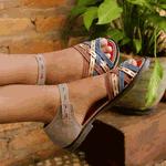 Sandália Rasteira em Couro Ariane Glace J.Gean Outlet