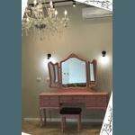 Penteadeira Rosa Provençal Em Madeira Maciça 3 Espelhos Com Banqueta