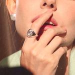 Anel Sinete Deusa Prata | Coleção Guta Virtuoso