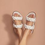 Sandália Papete OFF WHITE tranças