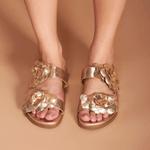 Sandália Papete em couro Cristal ouro light floral