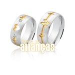 Aliança em Prata com coração vazado e detalhes banhados a ouro 18k