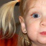 Brinco Infantil Cerejinha em Ouro 18k
