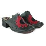 Sapato em Couro New kelly Caviar J.Gean