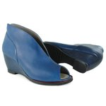 Sandália em Couro Susan Denin J.Gean