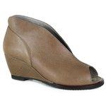 Sandália Em Couro Susan Amêndoa J.Gean