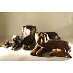 Escultura de Cachorro Deitado em Madeira M